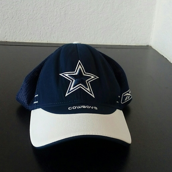45fde8bcc83 Dallas Cowboys one size fits all baseball hat. M 5aaae6d9331627b135f2e157